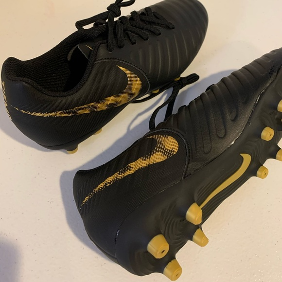Nike Other - Nike TIEMPO boys Cleats Size 5.5 Y